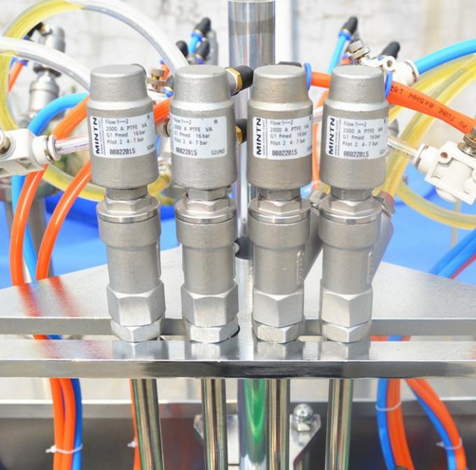 PLC Control Glass Bottle Capping Machine With 4 Nozzles